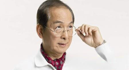 我已近80岁仍保持良好视力全靠用自尿洗眼